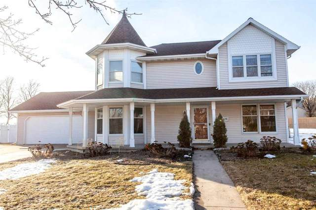 324 Crestview Lane, De Pere, WI 54115 (#50218693) :: Todd Wiese Homeselling System, Inc.