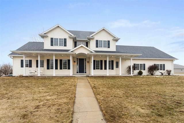 N9005 Blackoak Street, Menasha, WI 54952 (#50218776) :: Todd Wiese Homeselling System, Inc.
