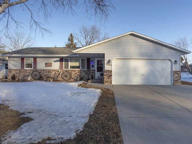 2021 True Lane, Green Bay, WI 54304 (#50218878) :: Ben Bartolazzi Real Estate Inc