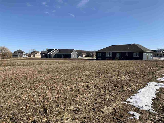 964 Golfview Drive, Brillion, WI 54110 (#50218992) :: Todd Wiese Homeselling System, Inc.