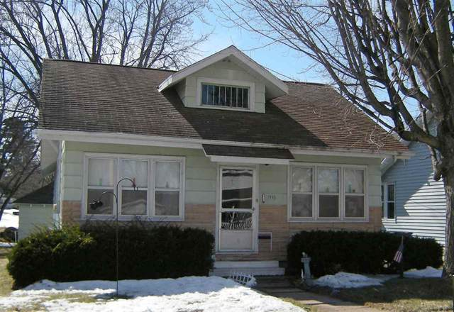 115 10TH Street, Clintonville, WI 54929 (#50219035) :: Todd Wiese Homeselling System, Inc.