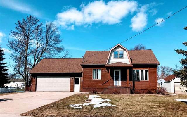 327 E Cedar Street, Pulaski, WI 54162 (#50219048) :: Todd Wiese Homeselling System, Inc.