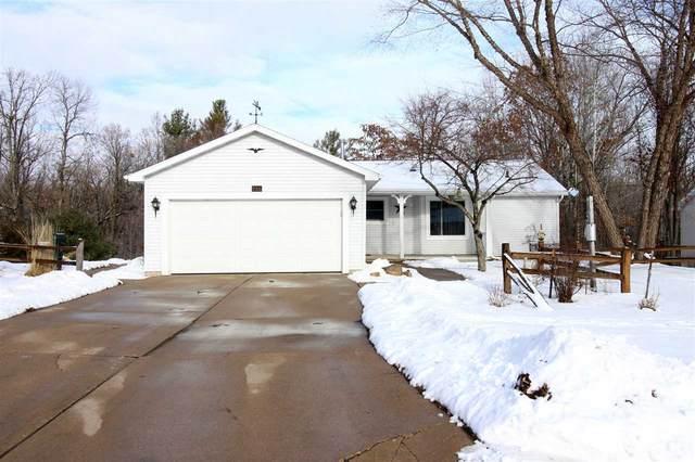 735 Leighton Road, Waupaca, WI 54981 (#50219056) :: Todd Wiese Homeselling System, Inc.