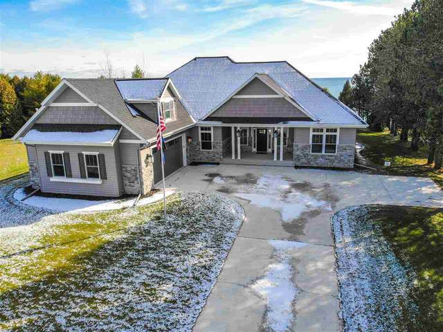 420 Lakeview Drive, Algoma, WI 54201 (#50219091) :: Todd Wiese Homeselling System, Inc.