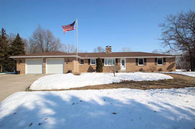 4596 Bayside Road, Suamico, WI 54173 (#50219106) :: Todd Wiese Homeselling System, Inc.