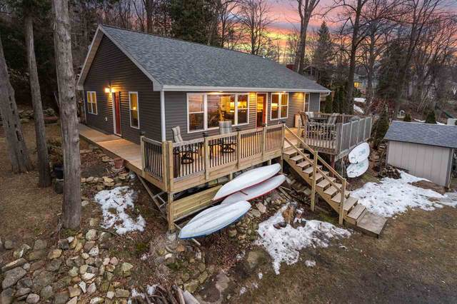 5177 Edgewater Beach Road, Green Bay, WI 54311 (#50219154) :: Todd Wiese Homeselling System, Inc.