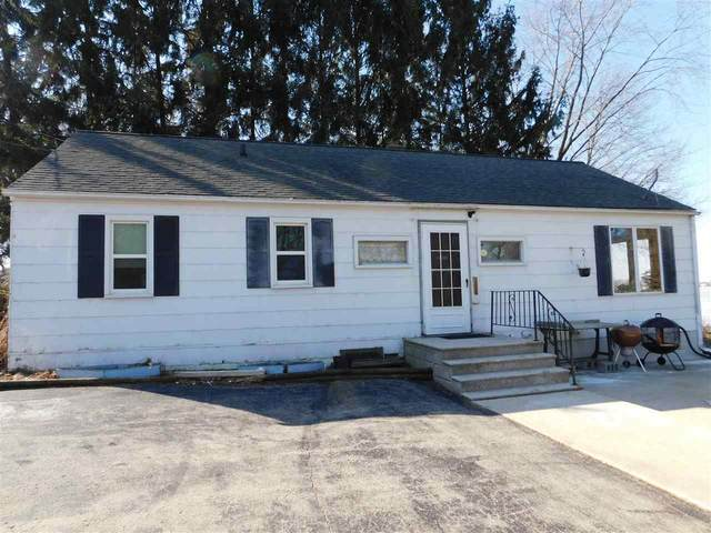 N10829 Maple Point Road, Fox Lake, WI 53963 (#50219239) :: Todd Wiese Homeselling System, Inc.