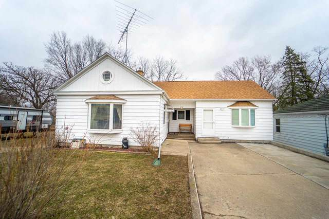 218 N Washington Street, Berlin, WI 54923 (#50219256) :: Todd Wiese Homeselling System, Inc.