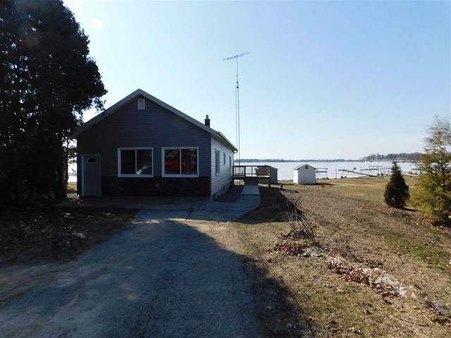 W10651 Black Hawk Trail, Fox Lake, WI 53963 (#50219257) :: Todd Wiese Homeselling System, Inc.