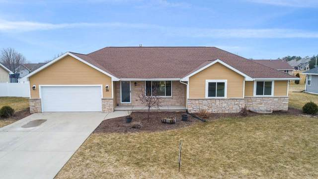 310 Cross Gate Lane, De Pere, WI 54115 (#50219315) :: Todd Wiese Homeselling System, Inc.