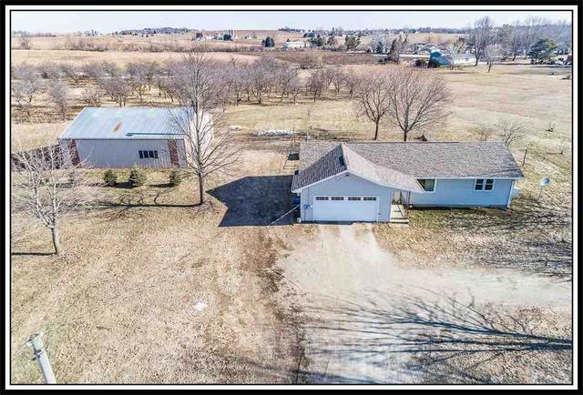 N2246 Greenville Drive, Hortonville, WI 54944 (#50219321) :: Todd Wiese Homeselling System, Inc.