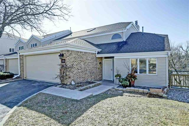 16 Lawrence Court, Appleton, WI 54911 (#50219354) :: Todd Wiese Homeselling System, Inc.