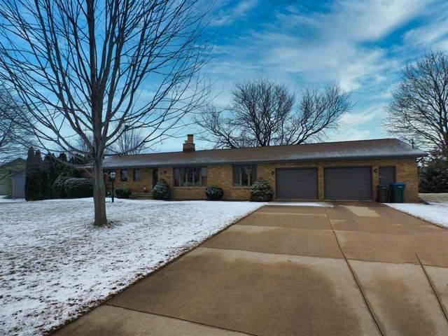 5505 W Sandra Drive, Appleton, WI 54913 (#50219381) :: Symes Realty, LLC