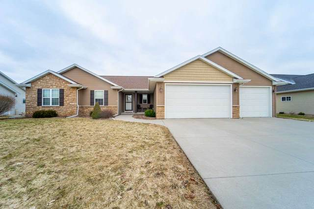 N1728 Brookhill Drive, Greenville, WI 54942 (#50219385) :: Symes Realty, LLC