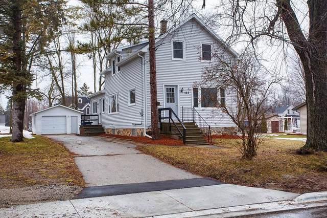 163 E Green Bay Street, Pulaski, WI 54162 (#50219418) :: Todd Wiese Homeselling System, Inc.