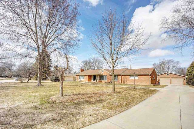300 Arrowhead Drive, Green Bay, WI 54301 (#50219438) :: Todd Wiese Homeselling System, Inc.
