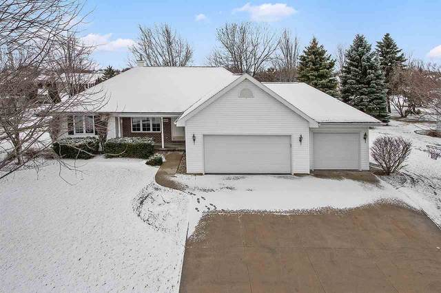 W2489 Clover Downs Court, Appleton, WI 54915 (#50219457) :: Todd Wiese Homeselling System, Inc.