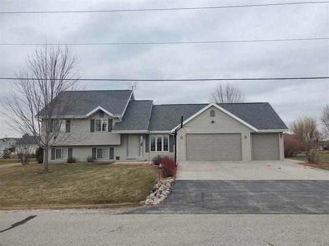 W7069 Forest Avenue, Fond Du Lac, WI 54937 (#50219512) :: Symes Realty, LLC