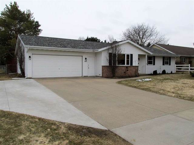 2955 W Hiawatha Drive, Appleton, WI 54914 (#50219533) :: Symes Realty, LLC