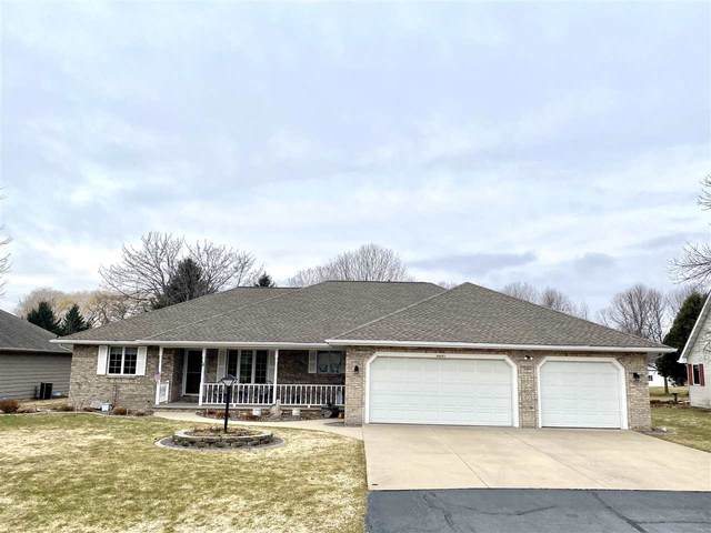 N9671 Darboy Drive, Appleton, WI 54915 (#50219534) :: Todd Wiese Homeselling System, Inc.
