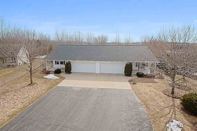 2941 Popplewood Court, Suamico, WI 54173 (#50219535) :: Dallaire Realty