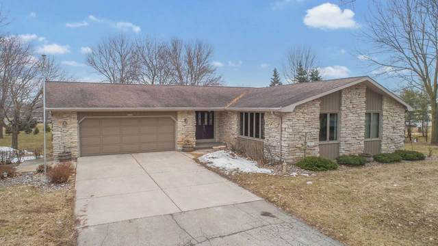 114 Haven Lane, Luxemburg, WI 54217 (#50219536) :: Todd Wiese Homeselling System, Inc.