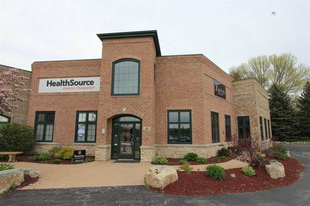 1700 Sand Acres Drive #2, De Pere, WI 54115 (#50219554) :: Todd Wiese Homeselling System, Inc.