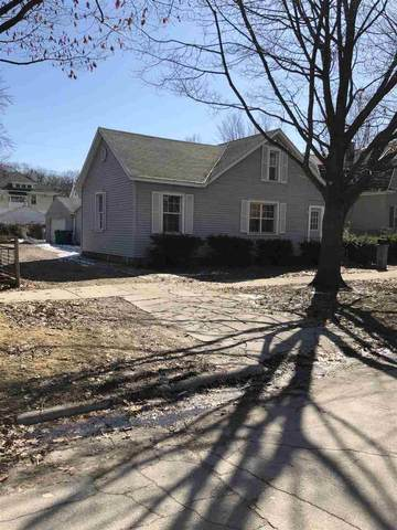 811 S Oakland Avenue, Green Bay, WI 54304 (#50219563) :: Todd Wiese Homeselling System, Inc.
