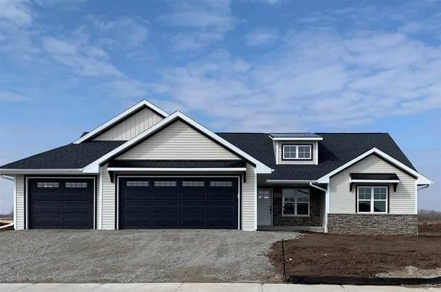 1265 Mountain Bay Drive, Pulaski, WI 54162 (#50219567) :: Todd Wiese Homeselling System, Inc.