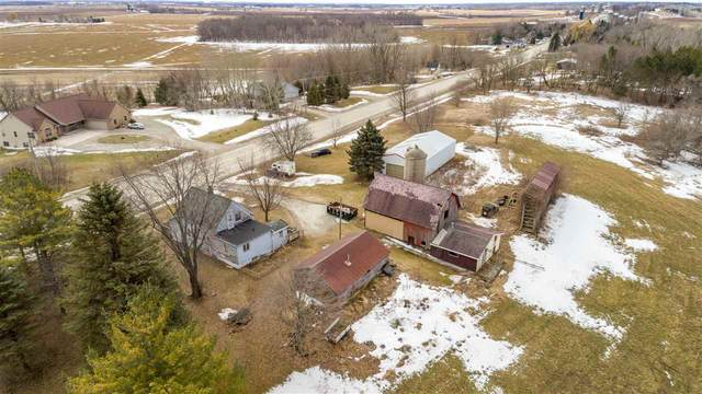 N5369 Hwy E, De Pere, WI 54115 (#50219576) :: Todd Wiese Homeselling System, Inc.