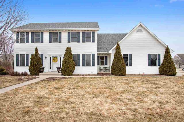 2906 E Greenleaf Drive, Appleton, WI 54913 (#50219605) :: Todd Wiese Homeselling System, Inc.
