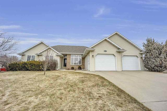 1002 Tanager Trail, De Pere, WI 54115 (#50219610) :: Todd Wiese Homeselling System, Inc.