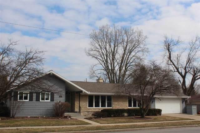 820 E Pershing Street, Appleton, WI 54911 (#50219625) :: Todd Wiese Homeselling System, Inc.