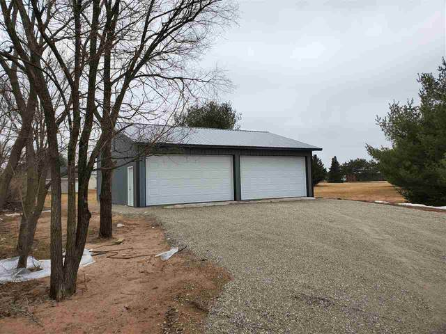 E1561 Sonna Street, Waupaca, WI 54981 (#50219633) :: Todd Wiese Homeselling System, Inc.