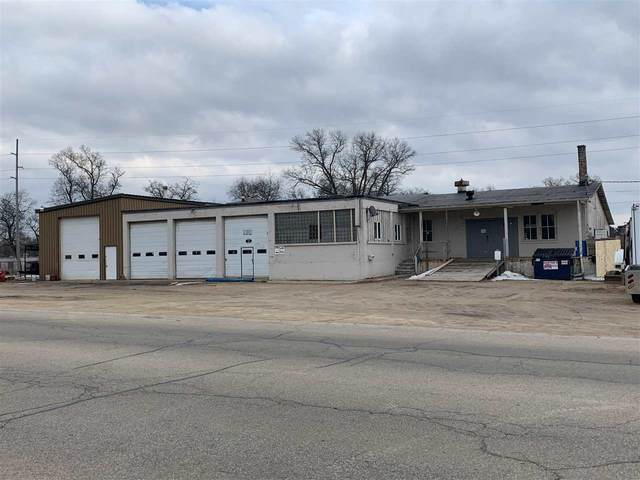 200 E Richmond Street, Shawano, WI 54166 (#50219642) :: Todd Wiese Homeselling System, Inc.