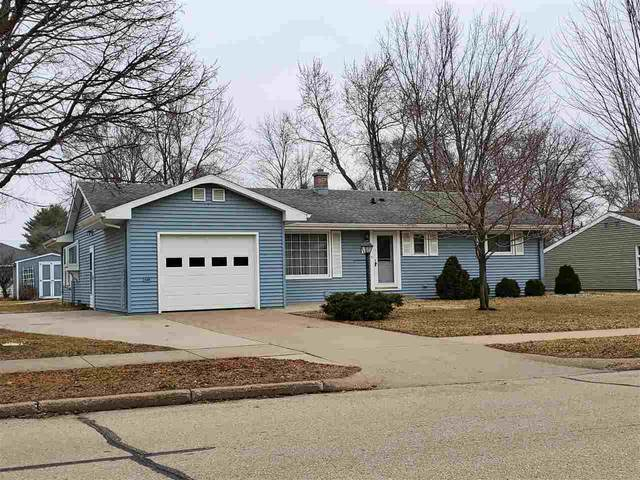 1011 Park Avenue, Waupaca, WI 54981 (#50219660) :: Todd Wiese Homeselling System, Inc.