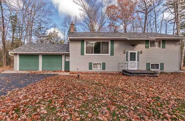 N3126 River Bend Drive, Peshtigo, WI 54157 (#50219666) :: Todd Wiese Homeselling System, Inc.