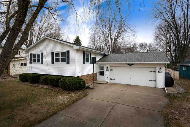 816 W Gruenwald Avenue, Oshkosh, WI 54901 (#50219667) :: Todd Wiese Homeselling System, Inc.