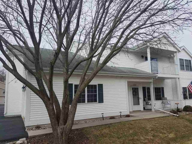 580 Evans Drive Unit B, Fond Du Lac, WI 54935 (#50219679) :: Todd Wiese Homeselling System, Inc.