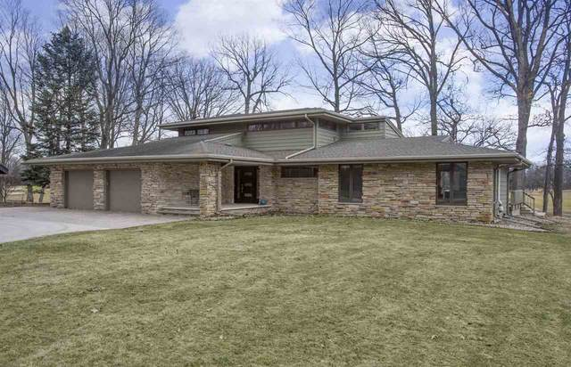9 Golf Terrace Court, Appleton, WI 54914 (#50219684) :: Todd Wiese Homeselling System, Inc.