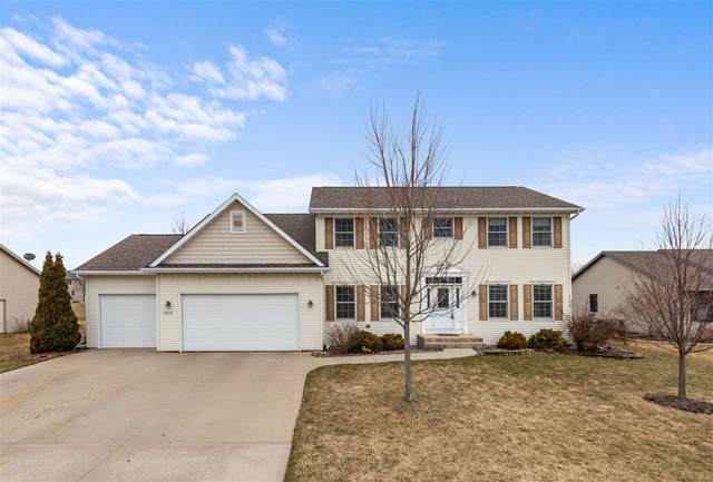 1309 Fall View Lane, Neenah, WI 54956 (#50219729) :: Todd Wiese Homeselling System, Inc.