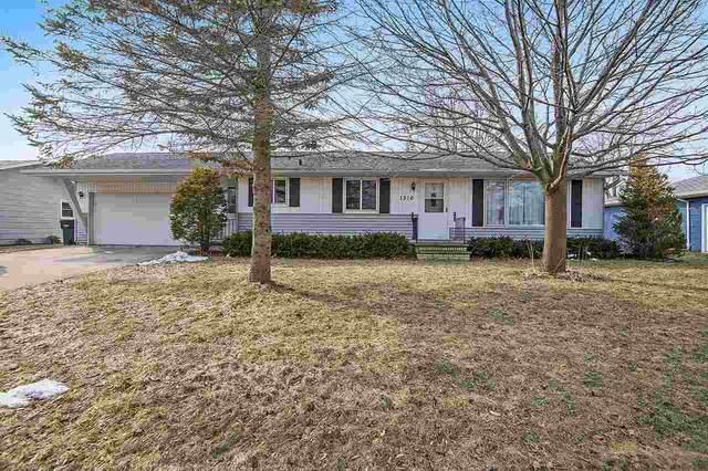 1316 Vliet Street, Kewaunee, WI 54216 (#50219730) :: Todd Wiese Homeselling System, Inc.