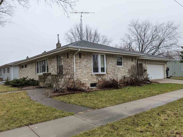136 N Lark Street, Oshkosh, WI 54902 (#50219782) :: Todd Wiese Homeselling System, Inc.