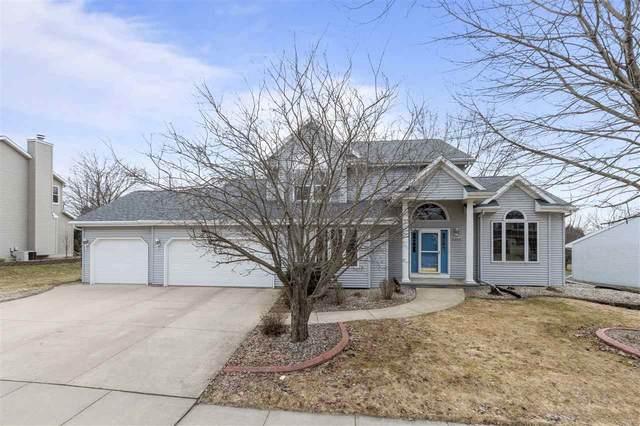 4200 N Woodridge Drive, Appleton, WI 54913 (#50219783) :: Todd Wiese Homeselling System, Inc.