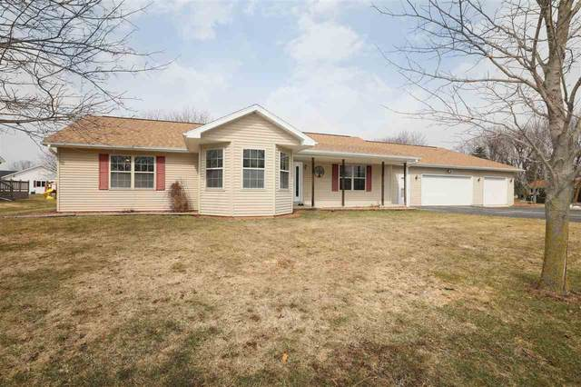 W6826 Sally Street, Greenville, WI 54942 (#50219785) :: Dallaire Realty