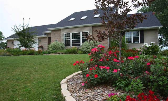 6293 Black Wolf Point Road, Oshkosh, WI 54902 (#50219854) :: Todd Wiese Homeselling System, Inc.