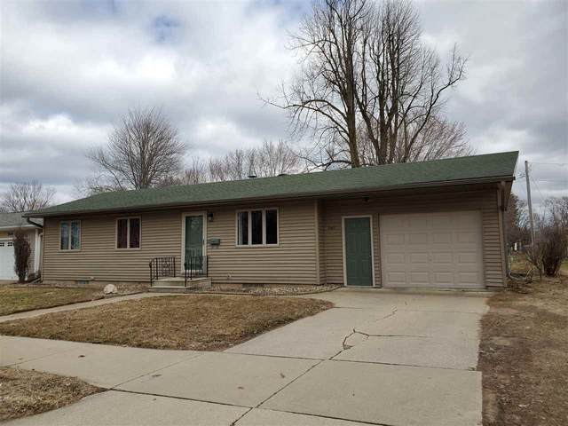 940 S Hamlin Street, Shawano, WI 54166 (#50219954) :: Todd Wiese Homeselling System, Inc.