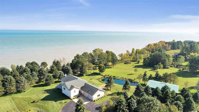 N2788 Lakeshore Road, Kewaunee, WI 54216 (#50219986) :: Dallaire Realty