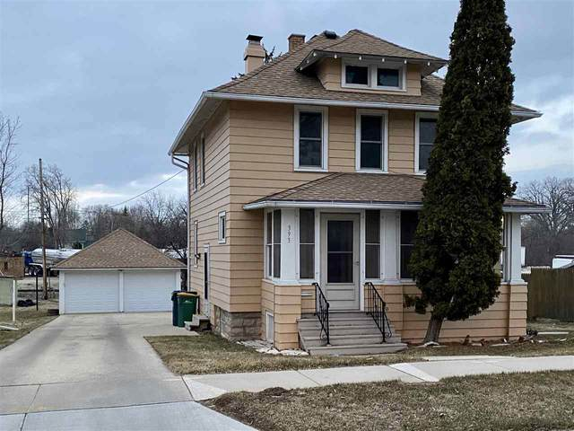 393 Tompkins Street, Fond Du Lac, WI 54935 (#50219995) :: Todd Wiese Homeselling System, Inc.