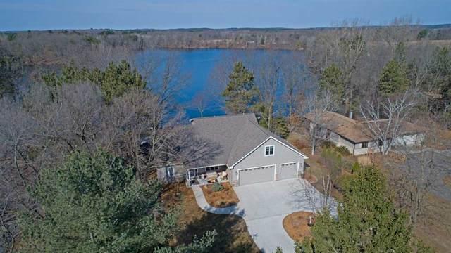 N3247 Silver Lake Drive, Waupaca, WI 54981 (#50220002) :: Todd Wiese Homeselling System, Inc.